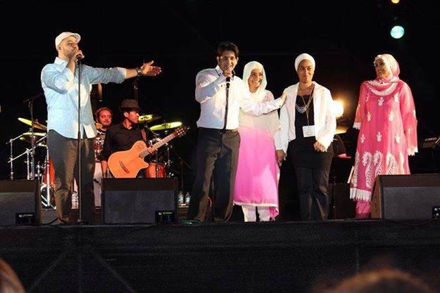 Fekka on stage