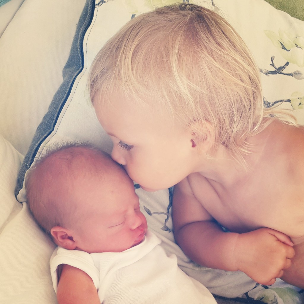 G kiss newborn G